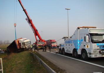 zware bergingwagen scania zware takelwagen volvo schuifplateau